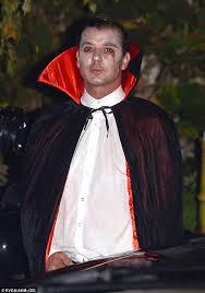 Dracula Costumes Halloween Gwen Stefani Gavin Rossdale Don Vampire Costumes Kate