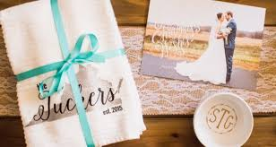 bridal shower gift ideas for guests and cheap bridal shower gift ideas for guests dreams me