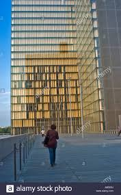 paris france public building exterior