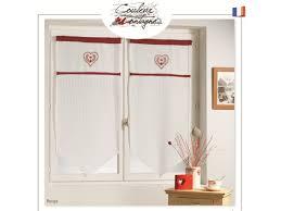 rideau style montagne rideau brise bise en voilage blanc et coeur brodé rouge