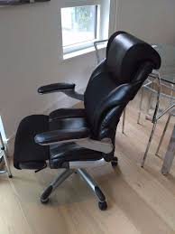 leather office chair w arm rests in gumtree