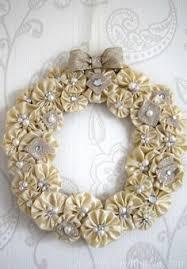tutorial for yo yo fabric wreath