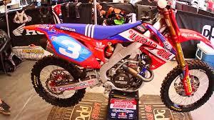 pro motocross bikes behind bars tarah giegers tld lucas oil honda crf250r dirt bike