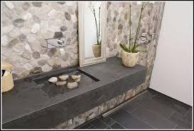 badgestaltung fliesen holzoptik badgestaltung dachschrge home design und möbel ideen