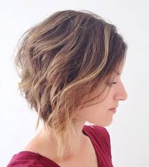 Inverted Bob Frisuren by 30 Wavy Hairstyles For Bouncy Textured Looks Part 21