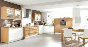 cuisine contemporaine bois massif cuisine contemporaine bois et blanc cethosia me