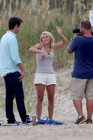 juliane hough s hair in safe haven julianne hough on the beach on the safe haven set hawtcelebs