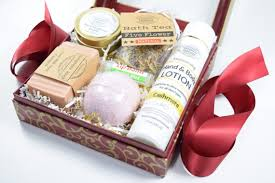 candle gift baskets gift box set for women wedding soap