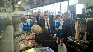 cuisine centrale venissieux haute savoie wauquiez promet des mesures en faveur des produits