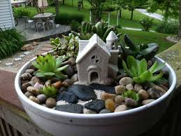 25 indoor and outdoor succulent gardens of all sizes garden