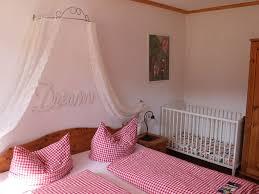 Schlafzimmer Bett Mit Erbau Urbanshof Hinterzarten Lhs04070 Fewo Direkt