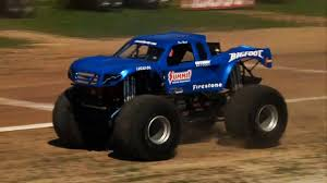 how long does a monster truck show last bigfoot monster truck guinness world records u0027 longest ramp jump
