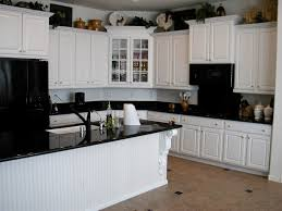 kitchen paint ideas white cabinets 40 kitchen paint colors with white cabinets and black appliances