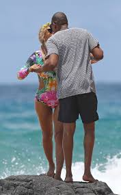 Hawaii travel trunks images Beyonce jay z and their daughter blue enjoy vacation in hawaii jpg