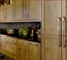 kitchen cabinet handles ideas kitchen cabinet hardware ideas pulls or knobs home design ideas
