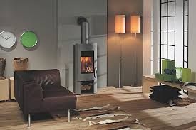 cuisine poele a bois salon avec poele a bois d coration un cottage moderne n d 39 une