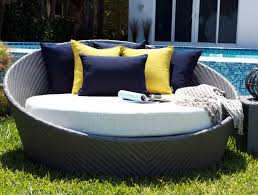 hallo round daybed with canopy seating islands from kannoa