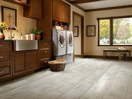 Bathroom Vinyl Flooring by 69 Best Luxury Vinyl Flooring Images On Pinterest Luxury Vinyl