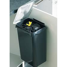 poubelle de porte doors 23 l castorama poubelle cuisine sous evier