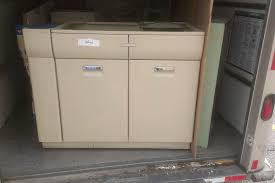 Vintage Steel Kitchen Cabinets Molly U0027s Cross Country Kitchen Cabinet Crusade Retro Renovation