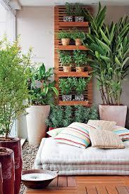Interior Garden 13 Ideias Para Ter Plantas Em Casa Balconies Gardens And