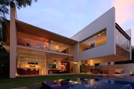 Contemporary Architecture Homes Luxurious Modern Mansion With Huge Cantilever In Contemporary