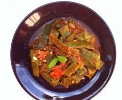 cuisiner pois gourmand poêlée de pois gourmands à l ail recette de poêlée de pois
