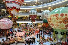 Christmas Decorations For Shopping Centers by 2013 Top Christmas Mall Decorations In Malaysia Capturing The