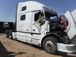volvo truck 2004 volvo vnl salvaged truck cab for a 2013 gmc volvo white vnl200 for