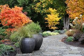 Winter Garden Jobs - top 10 garden jobs to tackle this autumn