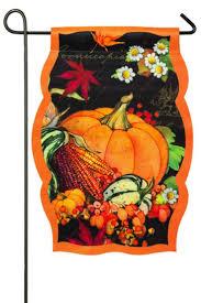 Mini Garden Flags Best 25 Fall Garden Flag Ideas On Pinterest Garden Flags