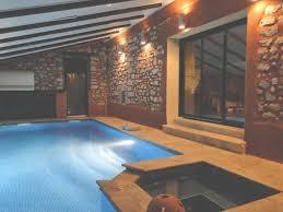 chambre avec piscine cuisine gite avec piscine et intã rieur chauffã entre