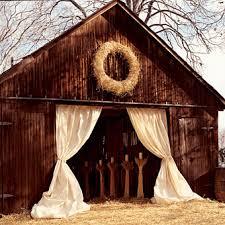 Rustic Barn Wedding Venues 10 Barn Wedding Decor Ideas