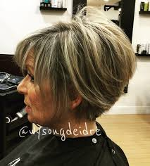 90 classy and simple short hairstyles for women over 50 stacked