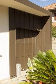 portoni sezionali hormann un garage con portone sezionale personalizzato accoglie e protegge