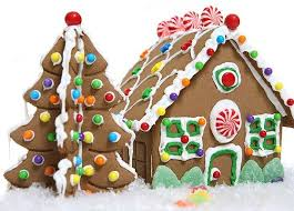christmas gingerbread house pictures of gingerbread houses lovetoknow