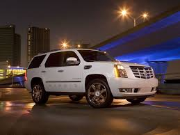 2010 cadillac escalade hybrid eco friendliness and cool style in one package the 2010 cadillac