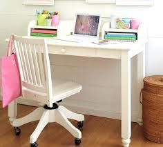 bureau enfant en bois bureau chaise enfant chaise de bureau contemporaine a roulettes