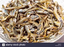 cuisine japonaise santé up de sardines séchées utilisées comme assaisonnement dans la