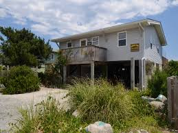 4 Bedroom 2 Bath Houses For Rent by Diddly Pom A Oak Island Vacation Rental