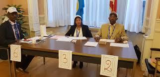 image bureau de vote réferendum constitutionnel du 17 mai 2018 au bureau de vote de l