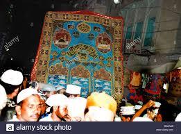 thanksgiving offerings dargah khwaja sahib stock photos u0026 dargah khwaja sahib stock