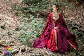 braveheart isabella of france inspired medieval dress
