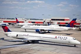 black friday delta airlines milwaukee man gets kicked off delta flight after using the restroom