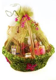 gift basket wrap gift basket classes how to wrap gift baskets with soft tulle
