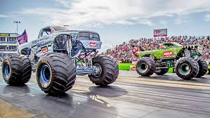 monster trucks crashing videos street outlaws farmtruck power scare vs monster truck youtube