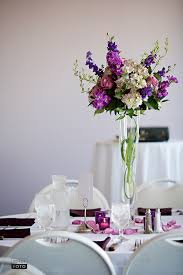 divine image of wedding table decoration using flower bouquet