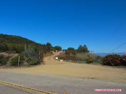 dick clark flintstone house photos dick clark s former malibu home iamnotastalker
