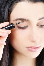 How To Shape Eyebrows With Concealer How To Fill In Eyebrows 8 Easy Steps To Fuller Eyebrows Using Makeup