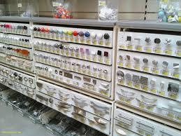 bouton de placard cuisine poignee porte placard cuisine luxe poigne de porte de meuble de